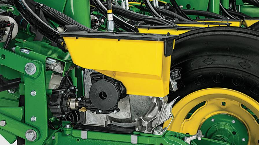 John Deere MaxEmerge eDrive Row Unit