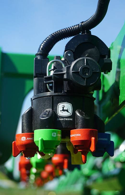 ExactApply nozzle control maintains consistent droplet size and pattern through a wide range of speeds, regardless of the sprayer speed and application flow rate.