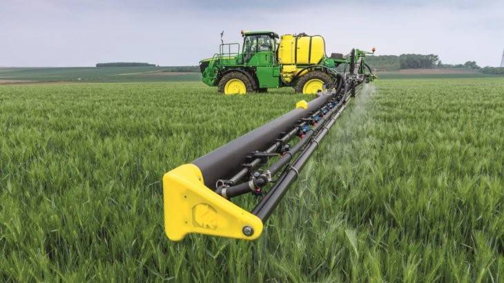 deere r4050i with king agro carbon fiber booms john